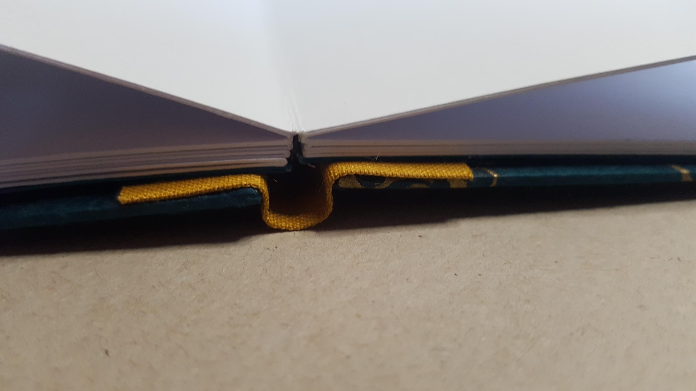 Drum Leaf binding detail